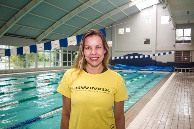 Débora Farias é professora de Natação na Swimex