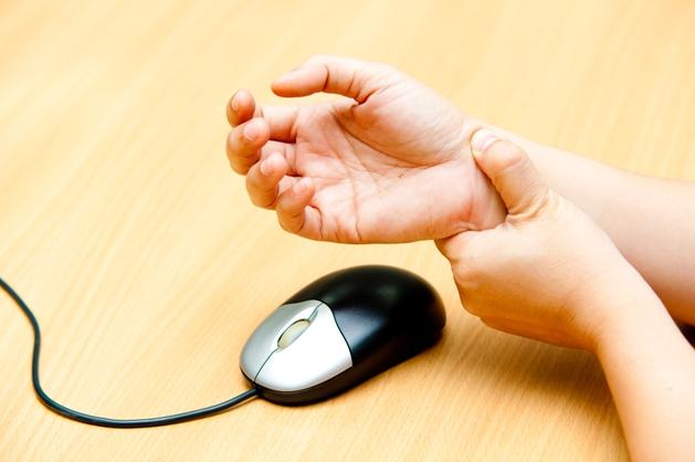 Horas digitando ou utilizando o mouse podem ocasionar LER