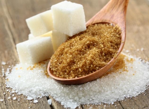 Açúcar mascavo é mais escuro do que os tradicionais, como refinado