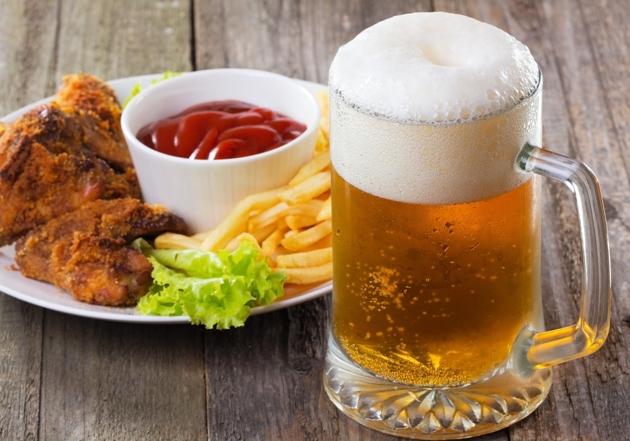 Bebidas alcoólicas potencializam o aumento de peso